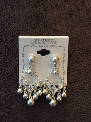 Gorgeous Sliver Dangle Earrings for Sale in Upland, CA