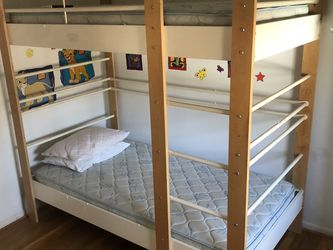 Bunk Bed With Mattress for Sale in Mill Neck,  NY