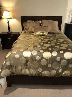Queen bedroom set for Sale in Chandler, AZ
