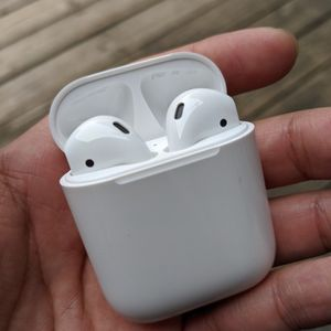 Apple Airpods 1st Generation for Sale in Fresno, CA