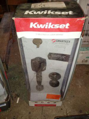 KWIKSET DOOR ASSEMBLY SET for Sale in Huffman, TX