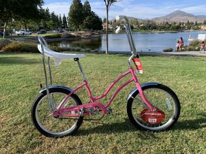 New beautiful Schwinn Classic 😎 Stingray retro bike 1970's girls ladies for Sale in Chula Vista, CA