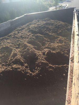 FREE FREE DIRT & DELIVERY for Sale in Fullerton, CA
