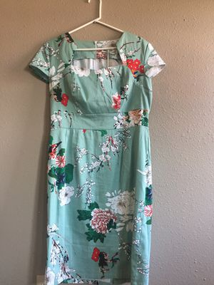 Robins Egg Blue and floral dress. Form fitting. Size 8 for Sale in Wenatchee, WA