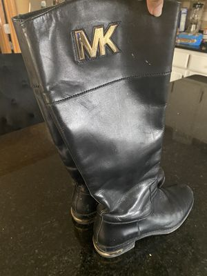 MK 7 1/2 boots for Sale in Macomb, MI