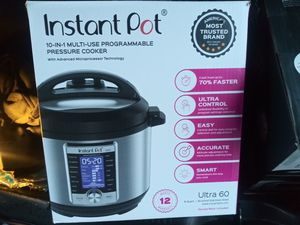 Ultra 60 instant pot for Sale in Cleveland, OH