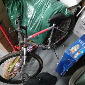 Roadmaster Mountain Fury Bike for Sale in Indianapolis, IN