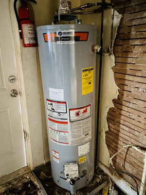 Gas Water heater for Sale in West Palm Beach, FL