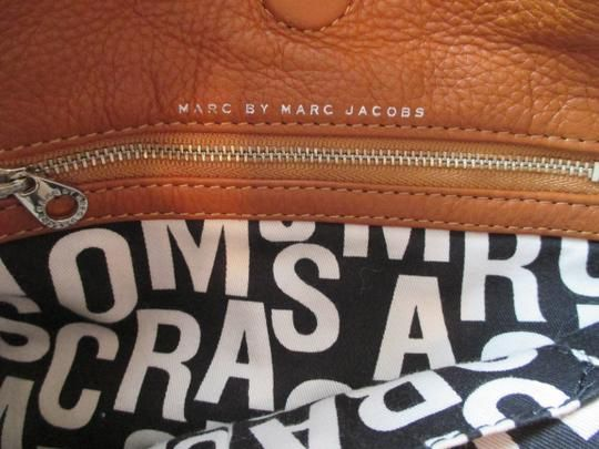 MARC By MARC JACOBS Tan Leather Classic Q Hiller Hobo Bag & Continental Wallet