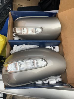 Mercedes Ml350 mirror covers for Sale in Brooklyn, NY
