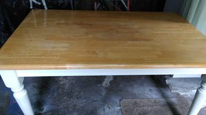 """Solid wood kitchen table 36"""" x 60"""" excellent condition for Sale in Columbus, OH"""