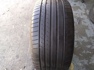 1 used 275/40R20 Dunlop Runflat Tire 2754020 for Sale in Santa Ana, CA