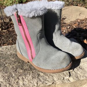 Carter's Girls Suede Boots SizeTod 8M Color Gray With Pink Side Zipper for Sale in McHenry, IL