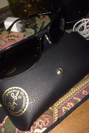 Authentic Raybans Perfect condition! for Sale in Crofton, MD