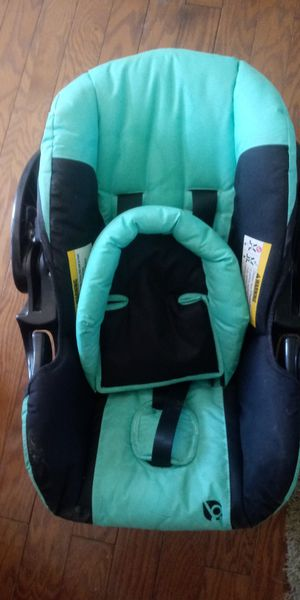 Infant car seat for Sale in Medina, OH
