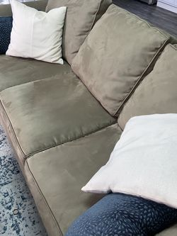 Tan 3 Seater couch for Sale in Fort Worth,  TX