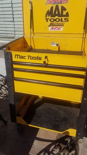 Mac mechanics tool cart box originally nearly $2400 with tax 2 keys air springs for Sale in Tracy, CA