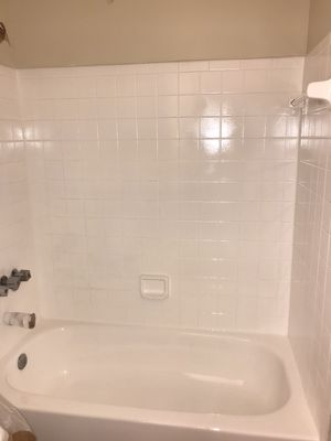 tub and tile refinishing for Sale in Silver Spring, MD