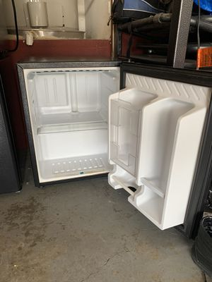 Mini Fridge ABS COLD for Sale in Los Angeles, CA