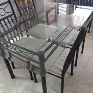 Glass Dining Room Table W/6 Black Chairs & FREE DELIVERY for Sale in Scottsdale, AZ