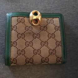 Vintage Gucci Wallet for Sale in Marlow Heights,  MD