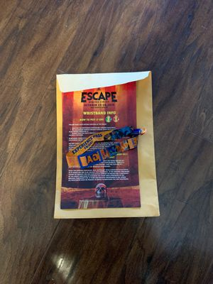 Escape 1 day pass Friday for Sale in South Gate, CA