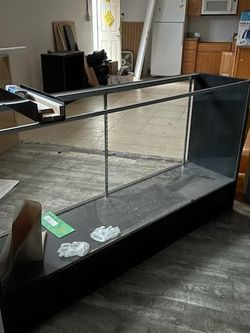 Display Cases And Long Cabinets for Sale in Tacoma,  WA