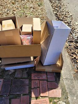 Free CURBSIDE Pick Up Boxes for Sale in Houston,  TX