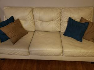 White leather couch pillows for Sale in Dallas, TX
