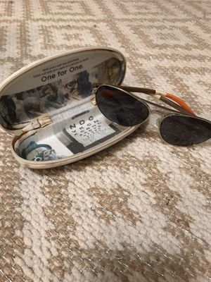 Toms (aviators) Sunglasses for Sale in Tampa, FL