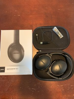 Bose Headphones QC 35 II Noise Cancelling for Sale in North Royalton, OH