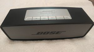 Bose. Made in china, Bluetooth speaker. for Sale in Brooklyn, NY
