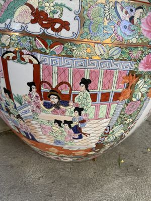 Asian/ Oriental flower pot, porcelain large for Sale in Carson, CA