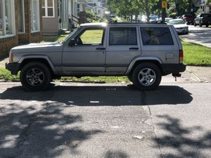 2000 Jeep Cherokee sport 4.0 liter Sport for Sale in Cleveland, OH