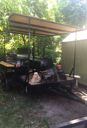 Back bbq grill for Sale in Fort Lauderdale, FL