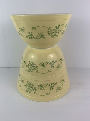 pyrex bowl mixing nesting Shenandoah yellow green flowers (set of 3) 402 403 for Sale in Elgin, IL