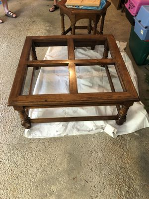 Living Room Table set- solid wood beveled glass coffee table for Sale in Cuyahoga Falls, OH