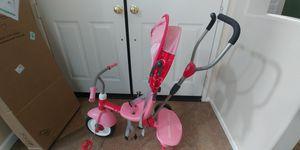 Radio flyer tricycle. Adjustable back adjustable canopy and push handle. Pick up only for Sale in Corona, CA
