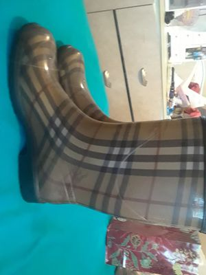 Size 7 Burberry Rain Boots. for Sale in Dearborn Heights, MI