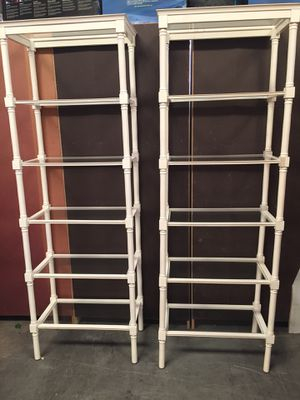White Display with Glass Shelf for Sale in Sebring, FL