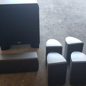 5 Speakers And Subwoofer Set (Klipsch) for Sale in La Mesa, CA
