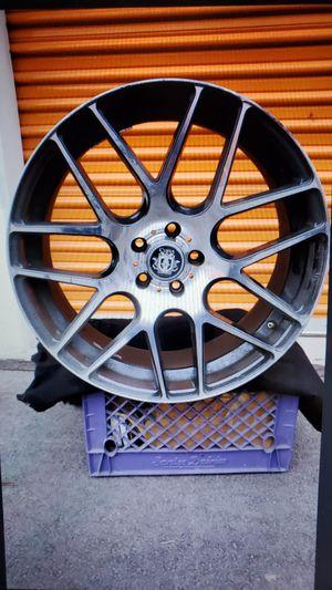 20 inch Mercedes Benz wheels... for Sale in Las Vegas, NV