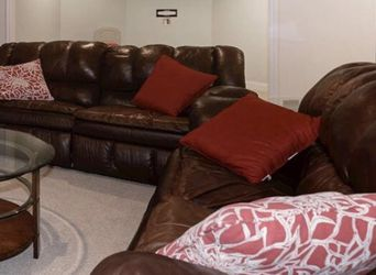 Leather Sofa for Sale in Ashburn,  VA