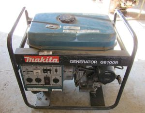 Makita Generator G6100R runs 2 houses at once for Sale in Columbus, OH