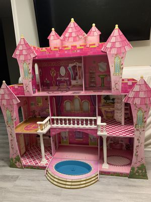 Barbie house for Sale in Riverview, FL