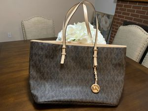 Michael Kors purse for Sale in Albuquerque, NM