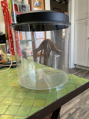 Small fish tank for Sale in Daly City, CA