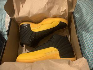 Yellow N Black 12s size 8.5 for Sale in Davie, FL