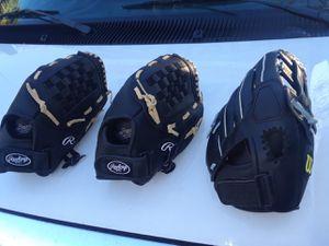 Kids Baseball/softball gloves for Sale in Miami, FL