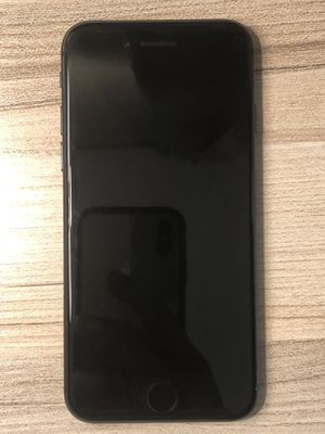 iPhone 8 for Sale in Fuquay-Varina, NC